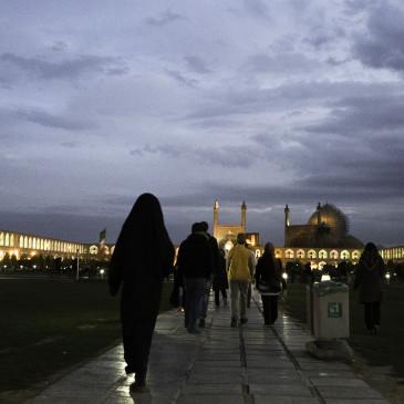 Isfahan – Moscheen-Overkill und große Sprünge