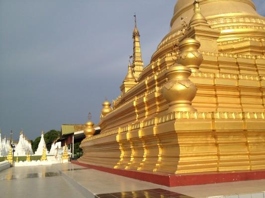 Maha Lawka Marazein Pagode in der Kuthadow Anlage
