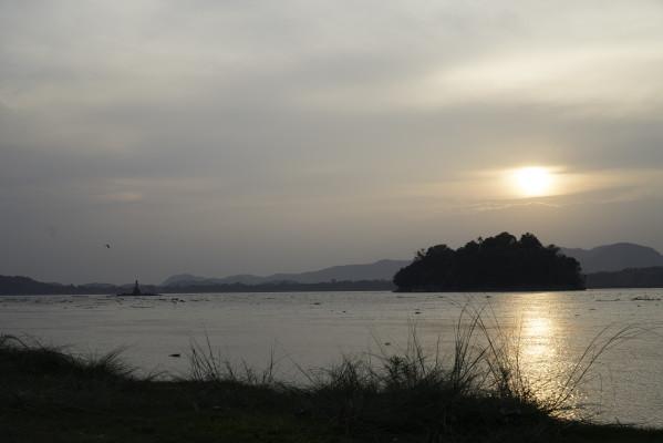Sonnenuntergang am Brahmaputra