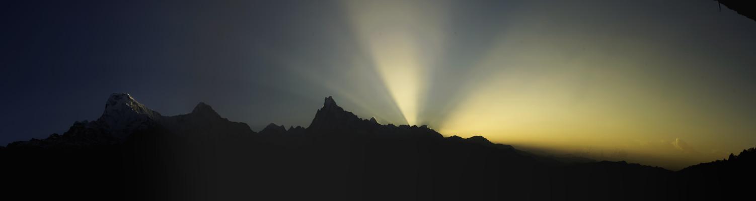 Sonnenaufgang mit dem Machapucharé